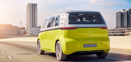 Pünktlich zur Fußball-WM: Ab 2022 fahren autonome VW-Busse durch Doha