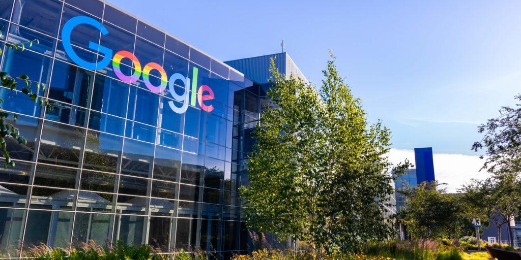 Alphabet: Google-Mutter nun über eine Billion US-Dollar wert