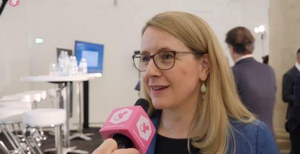 Ministerin Margarete Schramböck