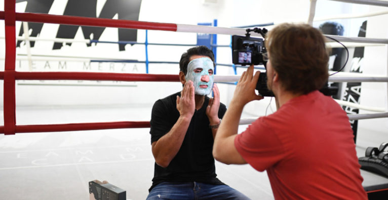 Bad Boy-Gesichtsmaske - 2 Minuten 2 Millionen-Teilnehmer ist nur Importeur