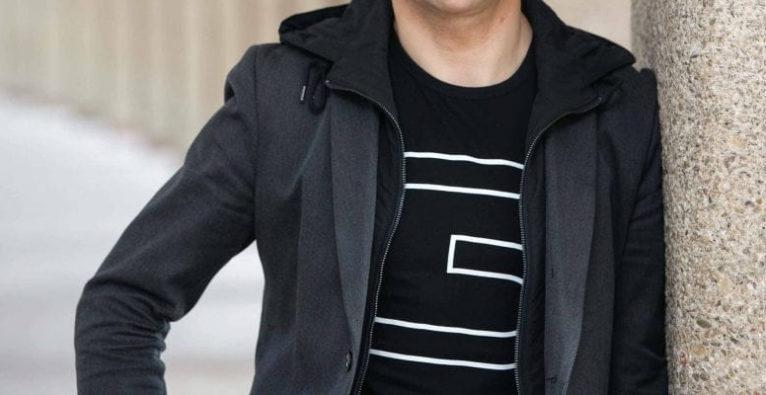 startup300 - Michael Altrichter, Startup-Beauftragter, ist startup300 Aufsichtsratsvorsitzender und trat in den letzten Jahren öffentlich bevorzugt mit startup300-T-Shirt auf