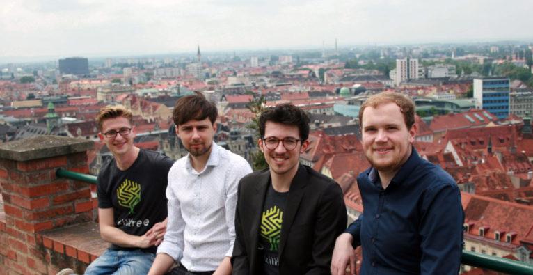 Markus Skergeth, Sebastian Wanke, Viktor Ielnykov und Simon Löwy von Skilltree.
