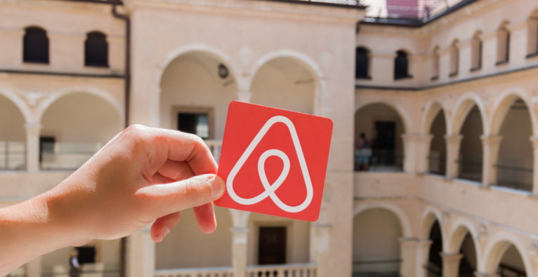 Airbnb fixiert IPO