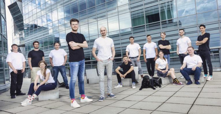 Dishtracker: Das Team rund um Johannes Raudaschl (im Vordergrund links)