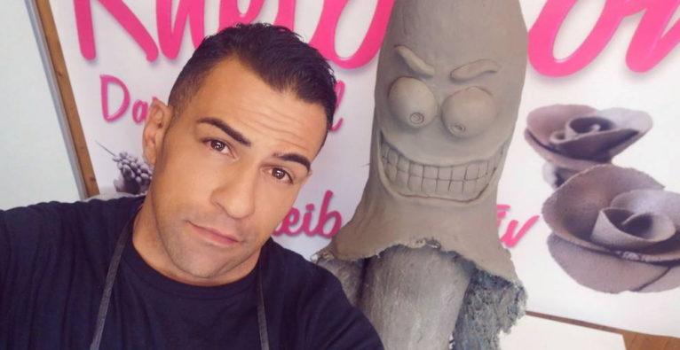 Knetbeton: Gründer Miled Ben Dhiaf mit einer Skulptur aus seiner Knetmasse für Profis