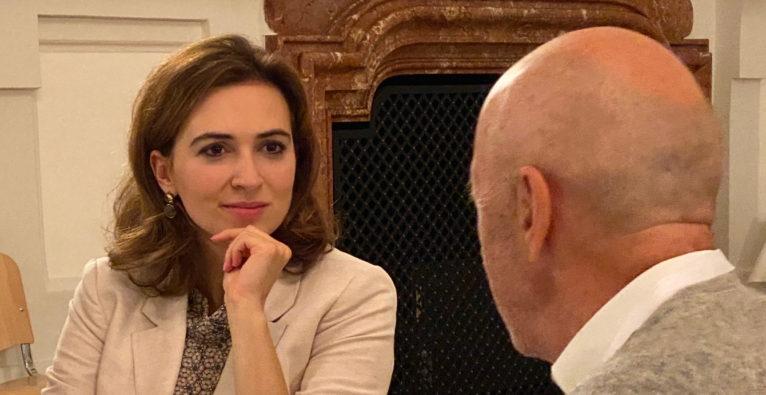 Austria Limited: Justizministerin Alma Zadić im Gespräch mit Hansi Hansmann