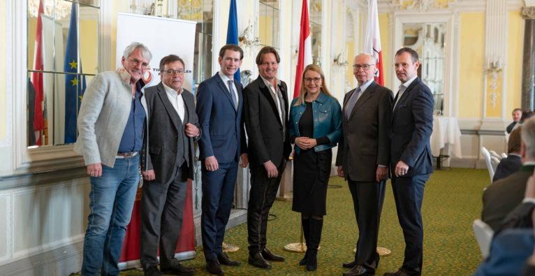 Februar 2020 in Innsbruck: Sebastian Kurz und Margarete Schramböck trafen Mitglieder der Adler Runde (c) Adler Runde / Berger