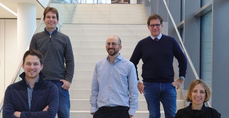 Solgate-Gründer (v.l.n.r.): Georg Winter, Stefan Kubicek, Ariel Bensimon, Giulio Superti-Furga, Gaia Novarino. Foto © Thomas Zauner/IST Austria