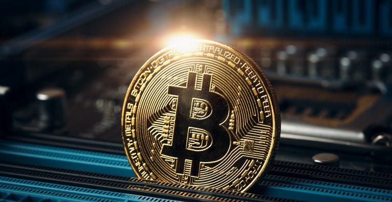 Der Bitcoin-Kurs ist am Dienstag erstmals über 62.000 Dollar gestiegen.