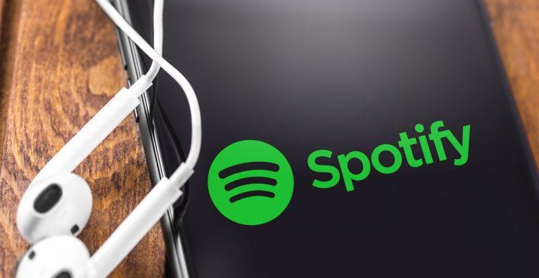 Spotify ging 2018 über eine Direktplatzierung an die New Yorker Börse.
