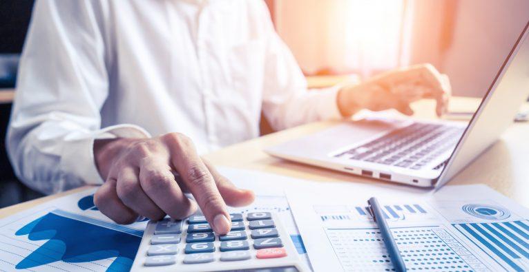 Gewinne aus Aktien und Fonds sollen nach einer gewissen Haltedauer steuerfrei werden.