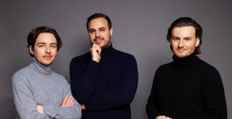 die Bitpanda-Cofounder Christian Trummer, Paul Klanschek und Eric Demuth - Betriebsferien
